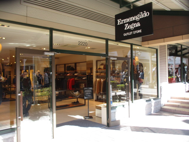 スーツの名門「エルメネジルド・ゼニア」は御殿場アウトレットがおすすめ!!人気メンズスーツのお買得情報!