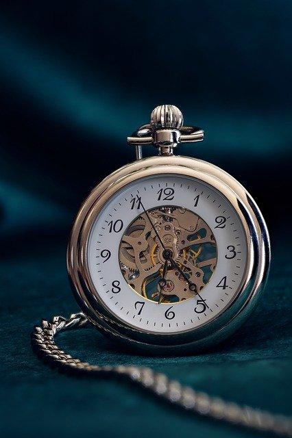 パティック・フィリップ×超薄型彫金ムーブメント×スケルトン=1,200万円!超絶技巧の芸術時計5180/1R-001!